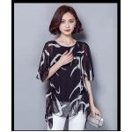 เสื้อแฟชั่น ผ้าชีฟองสีพื้นขาว-ดำ กับลวดลายกราฟฟิค ขับให้ตัวเสื้อดูมีสีสัน - ดำ