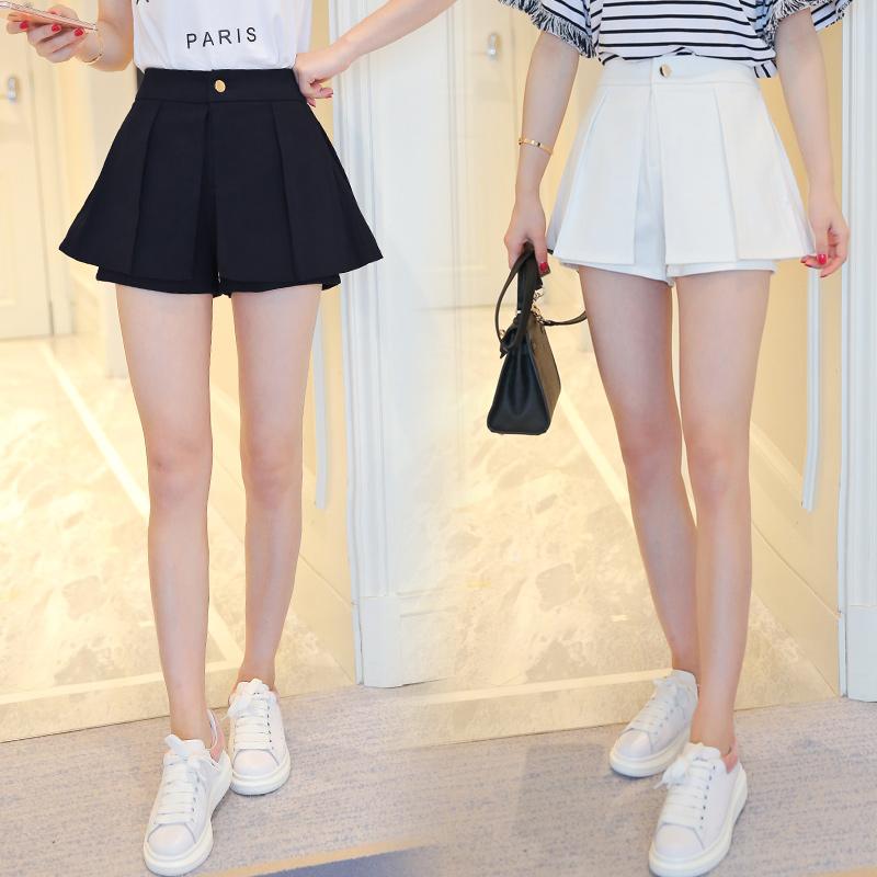 กางเกงแฟชั่นสตรี ขาสั้นขนาดกำลังดี จับจีบสวยๆ ใส่กับเสื้อลายไหนก็สวย