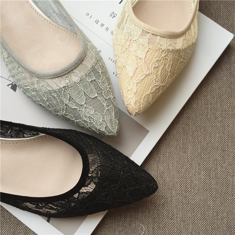 รองเท้าคัทชูแฟชั่น พื้นนิ่มใส่สบาย กับลายลูกไม้สีสวยๆ