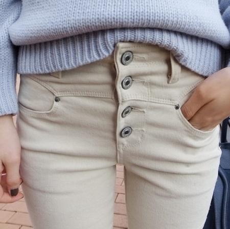 กางเกงยีนส์แฟชั่น สวย เข้ารูป ใส่ได้ทุกงาน ลุยได้ ทุกที่