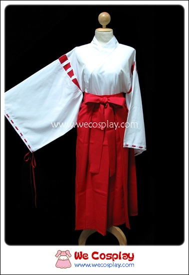 ชุดมิโกะ หรือหญิงรับใช้ในศาลเจ้าญี่ปุ่น