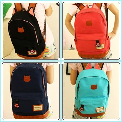 กระเป๋าเป้ทรงสวยๆ ตัดกับหนังสีน้ำตาล สีสวยไม่ตกเทรนด์