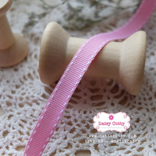 ริบบิ้นผ้าแถบ สีชมพู แต่งลายเส้น กว้าง 1 ซ.ม. แบ่งขายเป็นหลา