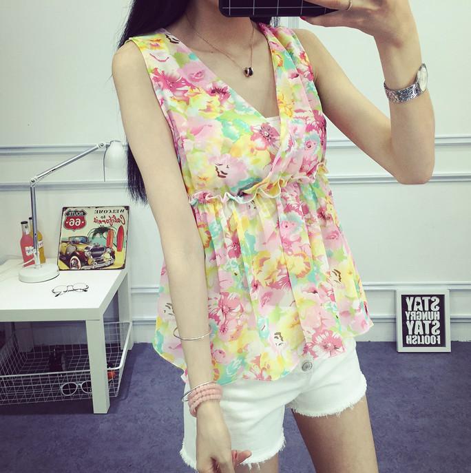 เสื้อลำลองแฟชั่นแบบแขนกุด สีสันสดใสกับเสื้อลายสวยๆ ในวันสบายๆ