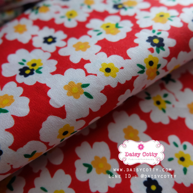 ผ้าคอตตอนไทย 100% 1/4 ม.(50x55ซม.) พื้นสีแดง ลายดอกไม้สีขาว