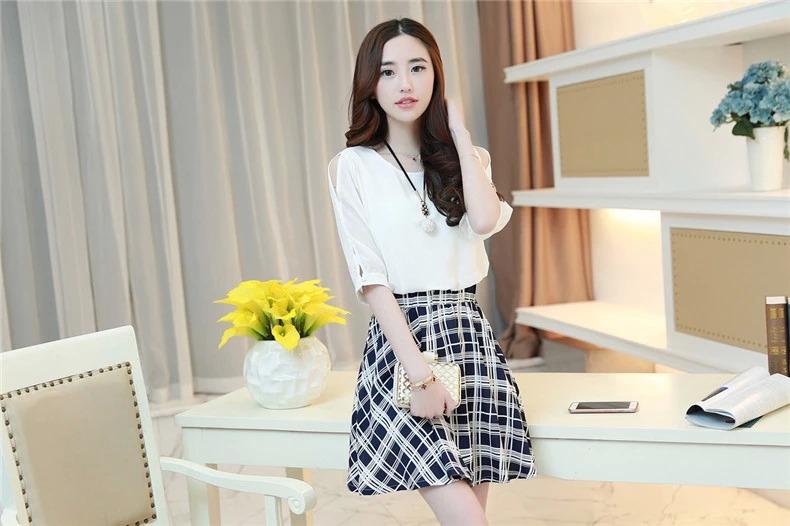 เดรสแฟชั่นเกาหลี ตัวเสื้อผ้าชีฟองสีพื้น รับกับกระโปรงลายสก็อตลายสวย