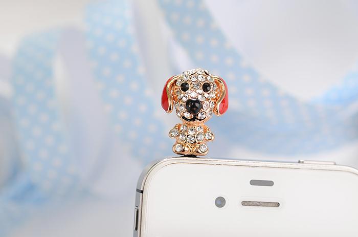 จุกเสียบไอโฟนประดับเพชร Doggy หูแดง