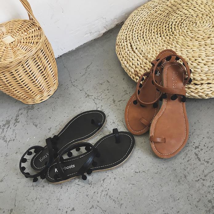 รองเท้าแตะแฟชั่น ใส่เดินชายหาดชิลๆ ทรงเก๋แบบสาวโบฮีเมียน ดูคลาสสิคไม่เบา
