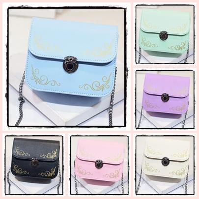 กระเป๋าสะพายข้างทรงนิยม สีสัน มีให้เลือกใช้ได้กับทุกงาน