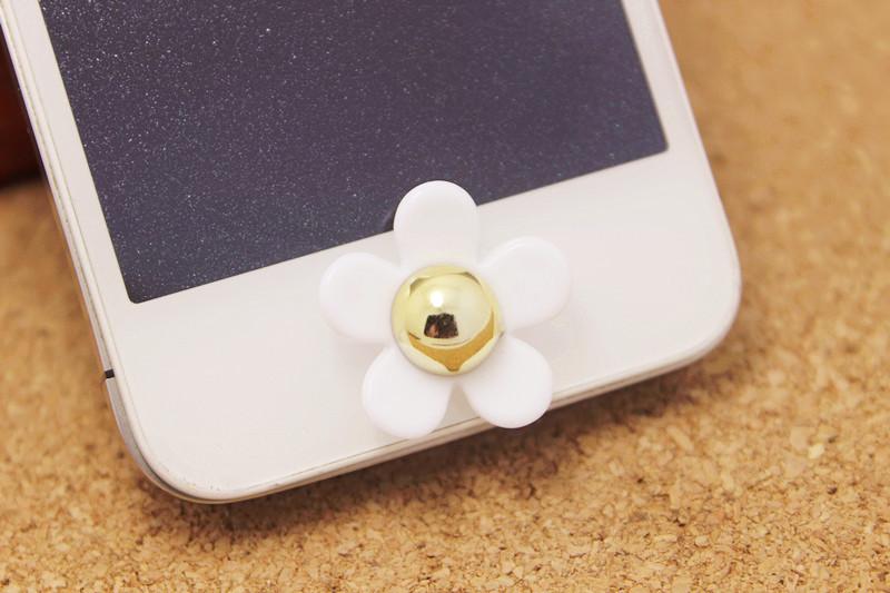 ปุ่มโฮมไอโฟน ดอกไม้สีขาวเกสรสีทอง