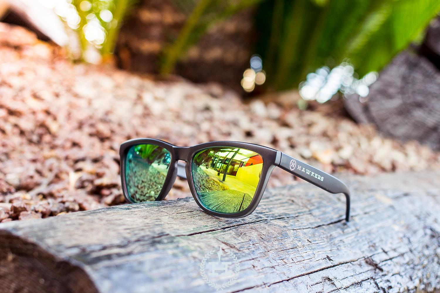 Hawkers Sunglasses Carbon Black - Emerald One (H-01)