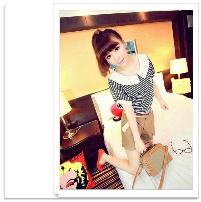 เสื้อแฟชั่นเกาหลี คลาสสิคกับเสื้อลายขวาง เพิ่มเสน่ห์ให้กับชุดด้วยเย็บคอและปกแบบตุ๊กตา