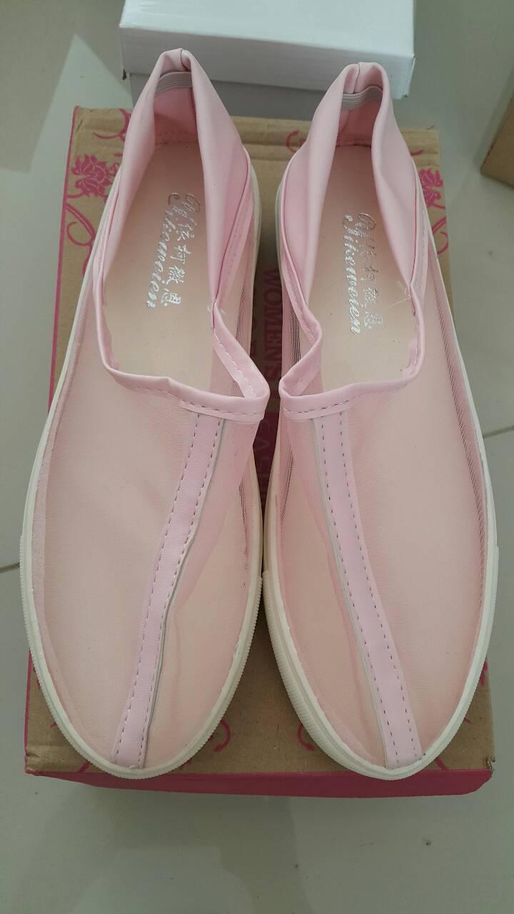 รองเท้าลำลองสำหรับสถภาพสตรี ใส่ง่าย เย็นสบายเท้า เบาสบาย ระบายอากาศได้ดี