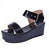 รองเท้าแฟชั่นสตรี หนังสีดำ ส้นกำลังดี เรียบๆ สำหรับใส่เดินชิลสบายๆ