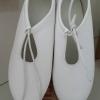 รองเท้าแฟชั่นสตรี ทรงบัลเลต ชูส์ สีขาว เบาสบาย