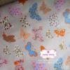 ผ้าคอตตอนไทย 100% 1/4 ม.(50x55ซม.) พื้นสีครีม ลายผีเสื้อ