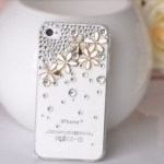 เคสไอโฟน 5/5s/SE (Hard Case) เคสไอโฟนกรอบโปร่งใสประดับเพชร และห้าดอกเดซี่