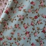 ผ้าคอตตอนไทย 100% 1/4 ม.(50x55ซม.) ลายดอกไม้ พื้นสีฟ้า