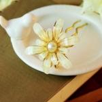 ปิ่นประดับผมแฟชั่นดอกไม้คริสตัลขาวทอง