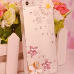 เคสไอโฟน 5/5s/SE (Case Iphone 5/5s/SE) กรอบโปร่งใส ประดับดอกไม้และเพชร เรียบหรู