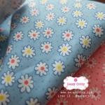ผ้าคอตตอนไทย 100% 1/4 ม.(50x55ซม.) พื้นสีฟ้า ลายดอกไม้เล็ก