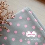 ผ้าคอตตอนลินิน 1/4ม.(50x55ซม.) พื้นสีเทา ลายจุดใหญ่สีชมพู พาสเทล