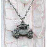 สร้อยคอโกธิค จี้รถโบราณ สีนิเกิลรมดำ Gothic Necklace