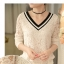 เสื้อแฟชั่นเกาหลี ทรงคอวีตัดด้วยลูกไม้สวยๆ ปกเสื้อสีดำ ช่วยขับให้ดูมีมิติเพิ่มขึ้น thumbnail 20