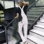 เอี๊ยมกางเกงยีนส์ขาวยาว แนวเซอร์ๆ สำหรับสาวต้องการลุคแบบลุยๆ thumbnail 7