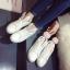 รองเท้าผ้าใบแฟชั่น ทรงสวย พร้อมลิ้นรองเท้ารูปหูสัตว์ ดูน่ารักตามกระแสไม่เบา thumbnail 11