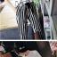 ชุดเซทเสื้อยืดแขนสั้นกับกางเกงขายาวลายตรง ใส่ลำลองสบายๆ ทันสมัย ไม่ตกเทรนด์ thumbnail 2