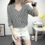 เสื้อเชิ้ตลายตรงสีดำขาว เด่นด้วยคอเสื้อทรง daimond รับกับแขนเสื้อ 4 ส่วน thumbnail 1