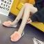 รองเท้าแฟชั่นสตรี ทรงเตี้ยใส่สบายเท้า แต่งขนหนาๆ ฟูนุ่ม ตัดกับวงแหวนสีทอง ดูสะดุดตาเมื่อได้เห็นจริงๆ thumbnail 15