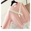 เสื้อกันหนาวแฟชั่นเกาหลี สีสวยๆ สไตล์หนังเกาหลี แต่งด้วยโบว์ให้อารมณ์ย้อนยุคนิดๆ thumbnail 7