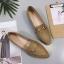 รองเท้าคัทชูแฟชั่น แต่งด้วยเข็มขัดโลหะสีทองเก๋ๆ คาดบนรองเท้าหนังเนื้อนิ่ม thumbnail 18