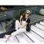 เอี๊ยมกางเกงยีนส์ขาวยาว แนวเซอร์ๆ สำหรับสาวต้องการลุคแบบลุยๆ thumbnail 9