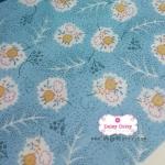 ผ้าคอตตอนไทย 100% 1/4 เมตร สีฟ้า ลายดอกสลับขาว