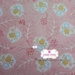ผ้าคอตตอนไทย 100% 1/4 เมตร สีชมพูอ่อน ลายดอกสลับขาว