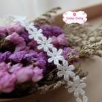 ลูกไม้สีขาว ดอกไม้ กว้าง 1 ซม.