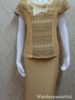 ชุดผ้าไหมญี่ปุ่น ปกแต่งผ้าแก้วพร้อมเข็มกลัด เสื้อ+กระโปรงยาว เบอร์ L สีน้ำตาล