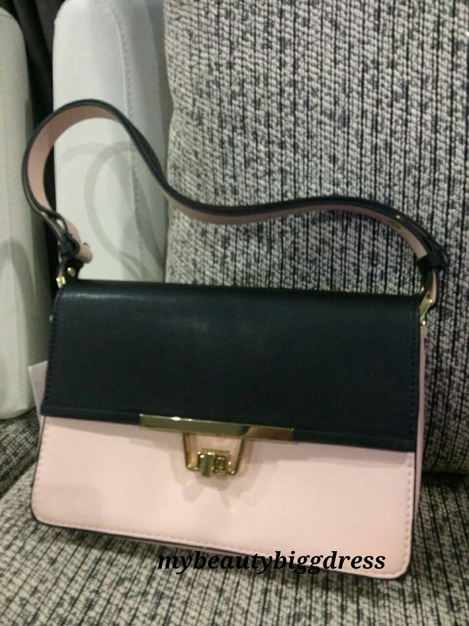 Zara Shoulder Bag With Metal Fastening 44
