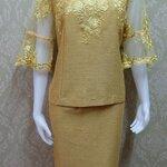 ชุดผ้าไหมญี่ปุ่น แต่งด้วยลูกไม้นอก ด้านหน้าและด้านหลัง แขนสามส่วน เสื้อ+กระโปรงยาว เบอร์ 46 สีเหลืองไพร (รอบอกเสื้ิอวัดเต็ม 45 นิ้วครึ่ง)