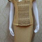ชุดผ้าไหมญี่ปุ่น ปกแต่งผ้าแก้วพร้อมเข็มกลัด เสื้อ+กระโปรงยาว เบอร์ XXL สีน้ำตาล