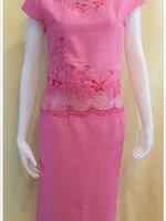 ชุดผ้าไหมญี่ปุ่นสำเร็จรูป ปักลาย คอหัวใจ เบอร์ L เสื้อ+กระโปรงยาว สีชมพู