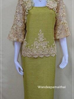 ชุดผ้าไหมญี่ปุ่นแต่งด้วยลูกไม้นอก แขนสามส่วน เสื้อ+กระโปรงยาว เบอร 44 สีเขียวไพร