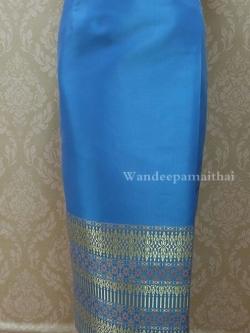 ผ้าถุงไหมสำเร็จรูปเนื้อดี สีฟ้า สวยมาก เอว36 นิ้วเลื่อนได้ถึง38 นิ้ว
